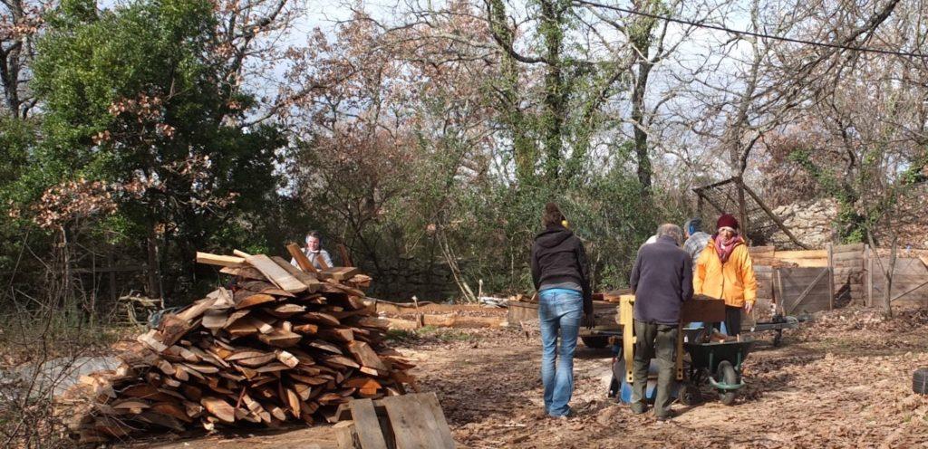 le chauffage de nos maisons bioclimatiques nécessite peu de bois